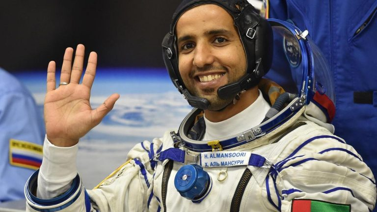 Hazza Al Mansouri in space