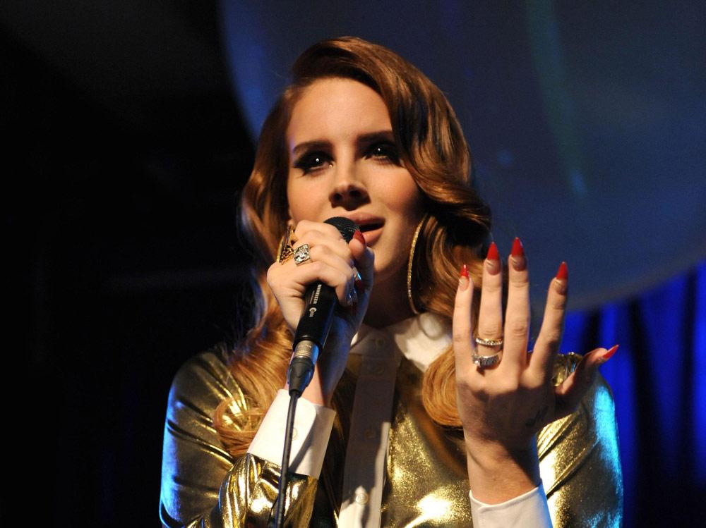 Lana Del Rey performing at Formula 1