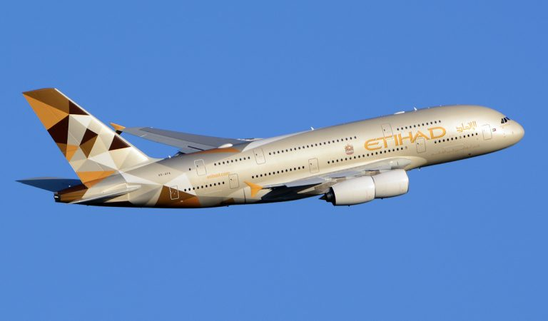 Tracking Wristbands For Etihad Airways Passengers Arriving In Abu Dhabi
