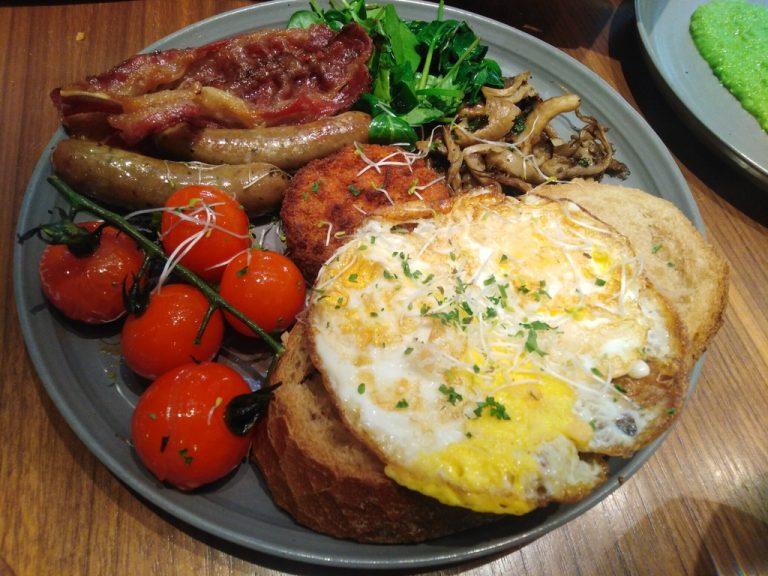 Breakfast at Jones The Grocer